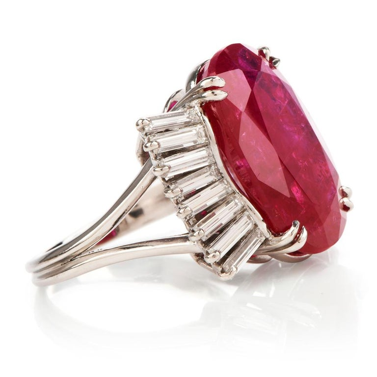 GIA Natural No Heat Ruby Diamond Platinum Cocktail Ring In Excellent Condition For Sale In Miami, FL