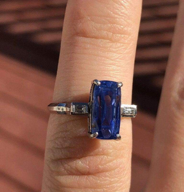 Vintage GIA Ceylon Platinum Natural No Heat Sapphire & Diamond Ring 3.63ctw 4g     Beautiful sapphire & diamond ring   Very elegant for everyday wear !!   Approx 0.05ctw of H SI diamonds   sapphire size approx ct 3.58    100% NATURAL GIA   Size