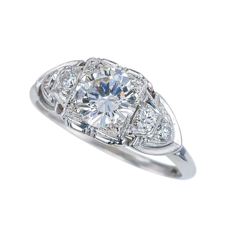 Art Deco GIA Report Certified 0.83 Carat Diamond Solitaire Platinum Engagement Ring For Sale