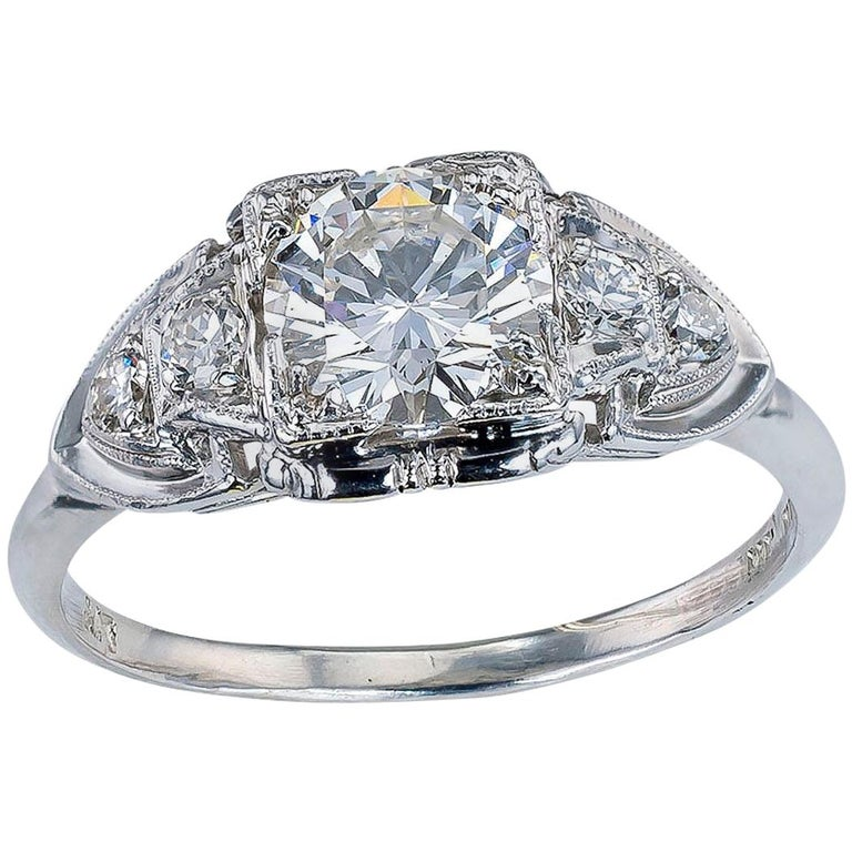 GIA Report Certified 0.83 Carat Diamond Solitaire Platinum Engagement Ring For Sale