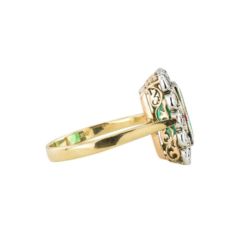 GIA Report Certified Colombian Emerald Diamond Gold Silver Ring In Good Condition For Sale In Los Angeles, CA