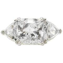 GIA Shy 5.00 Carat Radiant Diamond 3-Stone Wedding Plat Yellow Gold Ring