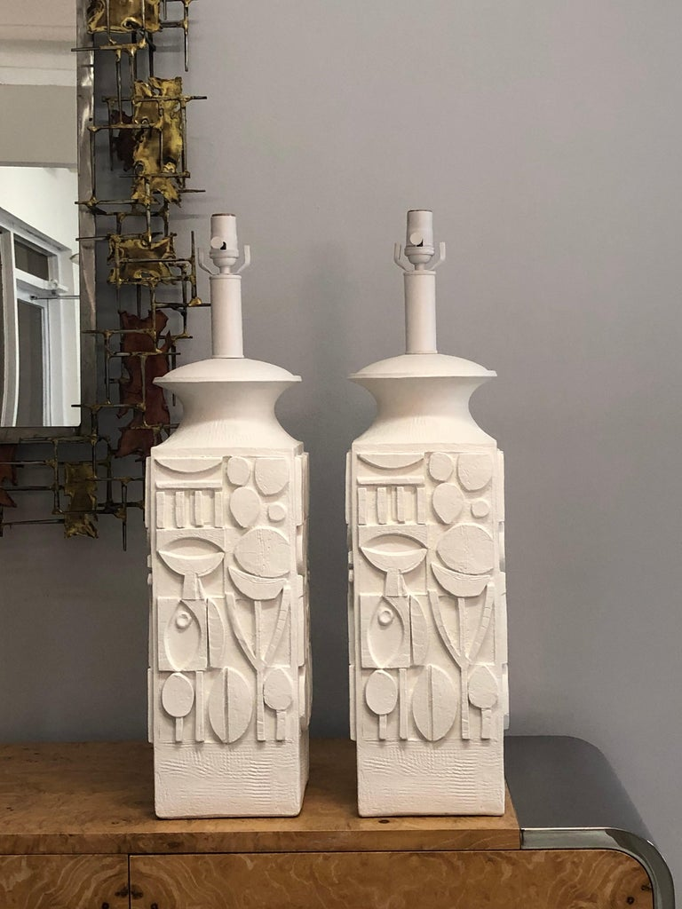American Pair of Monumental White Plaster Table Lamps, 1960s For Sale