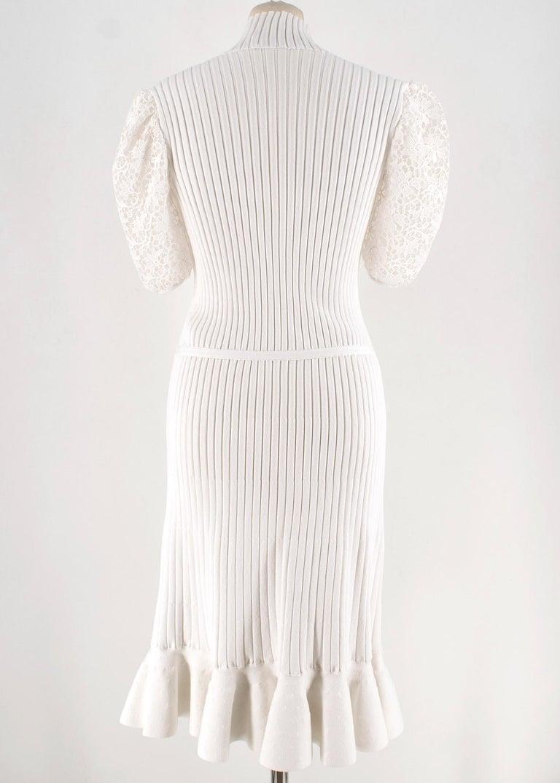 Gray Giambattista Valli Ribbed Lace Sleeve White Dress IT 44 For Sale