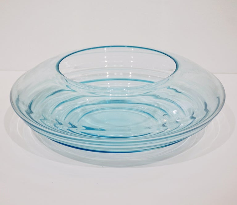 Giampaolo Ghisetti 1970s Vintage Round Aquamarine Blue Murano Glass Ribbed Bowl For Sale 2