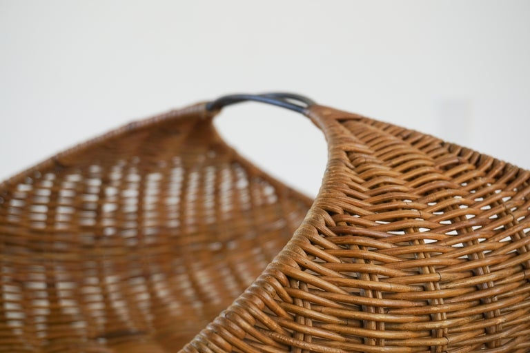 Gian Franco Legler Magazine Basket In Good Condition For Sale In Los Angeles, CA