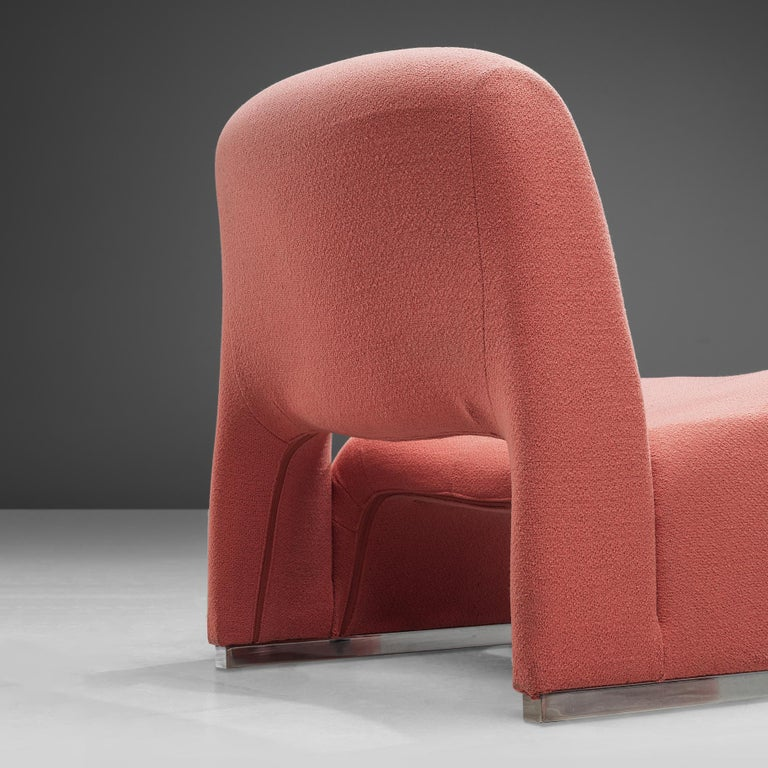Mid-Century Modern Giancarlo Piretti 'Arki' Easy Chairs in Pink Upholstery For Sale