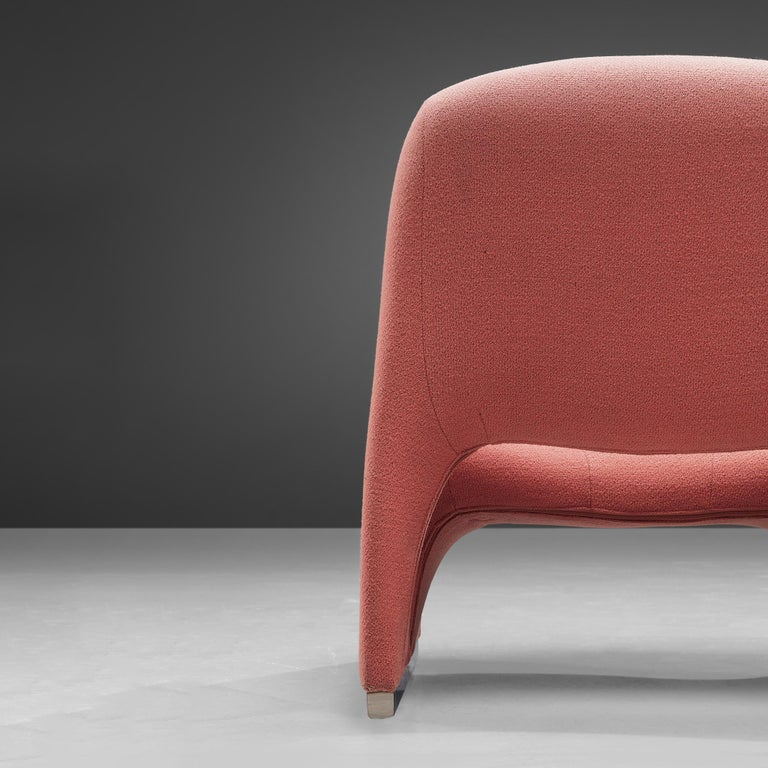 Giancarlo Piretti 'Arki' Easy Chairs in Pink Upholstery In Fair Condition For Sale In Waalwijk, NL