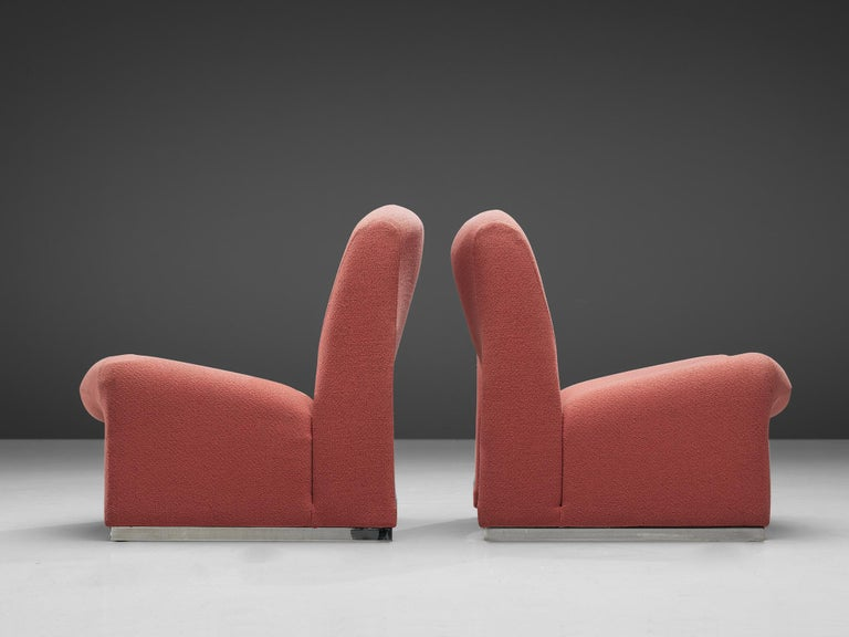 Giancarlo Piretti 'Arki' Easy Chairs in Pink Upholstery For Sale 1