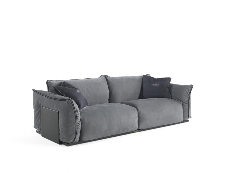 Contemporary Gianfranco Ferré Clapton Sofa in Leather Upholstery For Sale