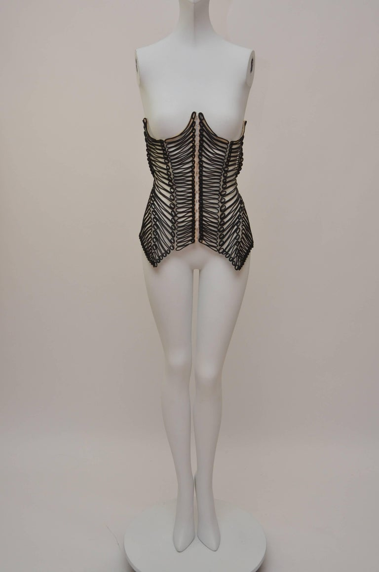 Gianfranco Ferre Embroidered  Corset With Matching Bollero Jacket '02 Runway  In Excellent Condition For Sale In Hollywood, FL