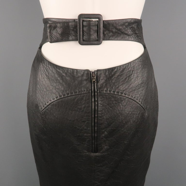GIANFRANCO FERRE Size 4 Black Textured Leather Belted Cutout Back Pencil Skirt For Sale 1
