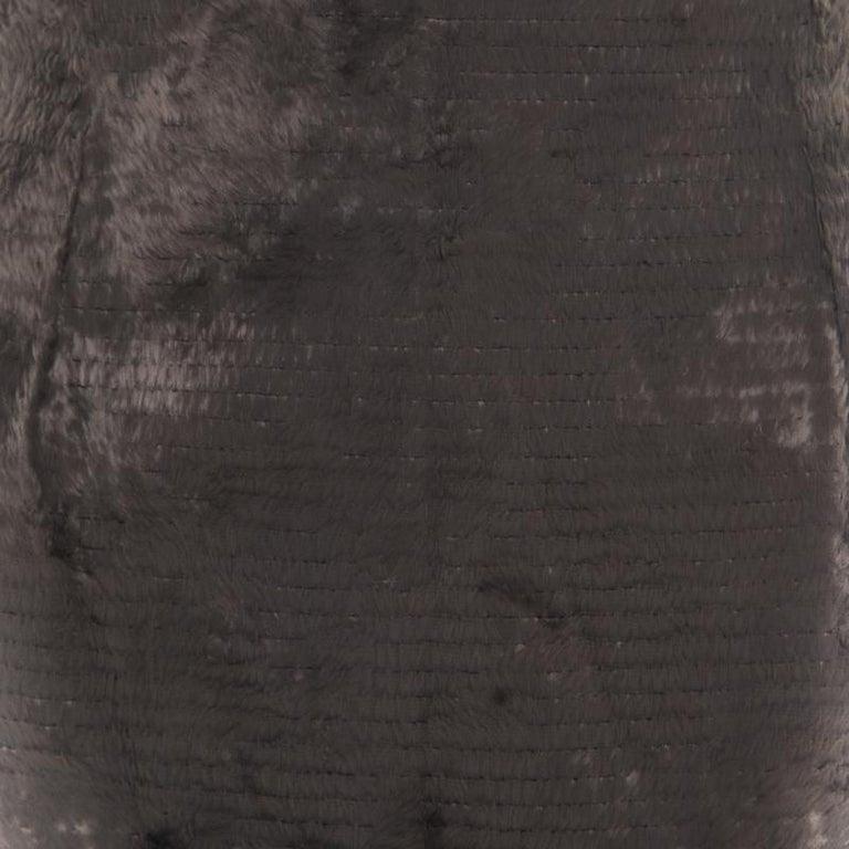 Gianfranco Ferre Vintage Grey Textured High Waist Pencil Skirt L In Good Condition For Sale In Dubai, Al Qouz 2