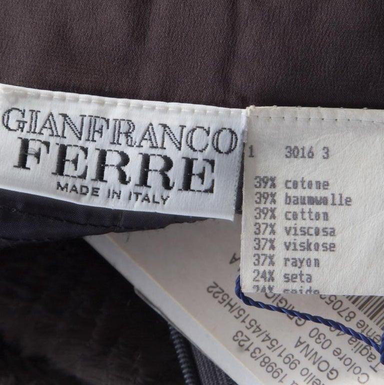 Women's or Men's Gianfranco Ferre Vintage Grey Textured High Waist Pencil Skirt L For Sale