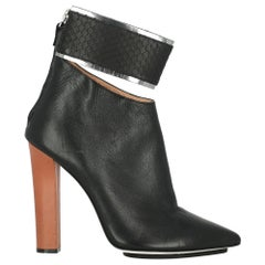 Gianfranco Ferre Woman Ankle boots Black Leather IT 39