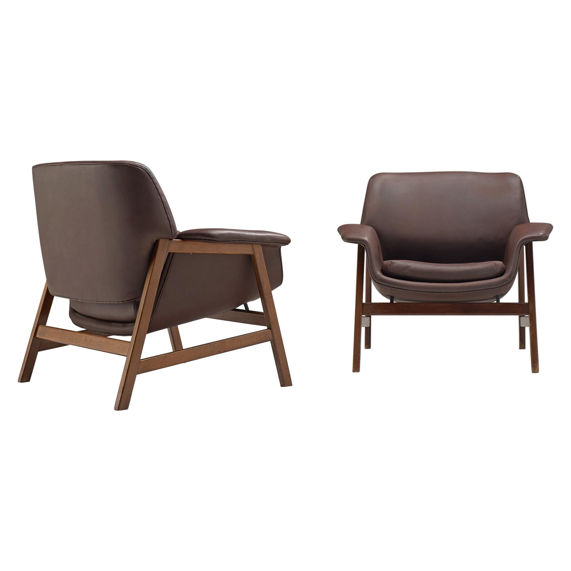 Gianfranco Frattini for Cassina Pair of Lounge chairs '849' in Walnut