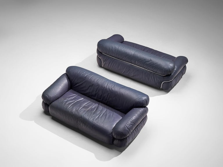 Gianfranco Frattini Pair of 'Sesann' Sofas in Blue Leather In Good Condition For Sale In Waalwijk, NL