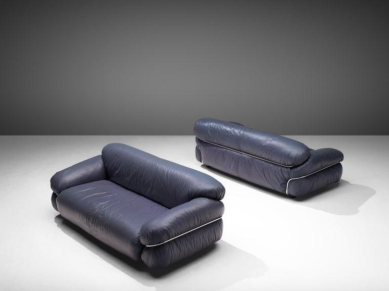 Gianfranco Frattini Pair of 'Sesann' Sofas in Blue Leather For Sale 1