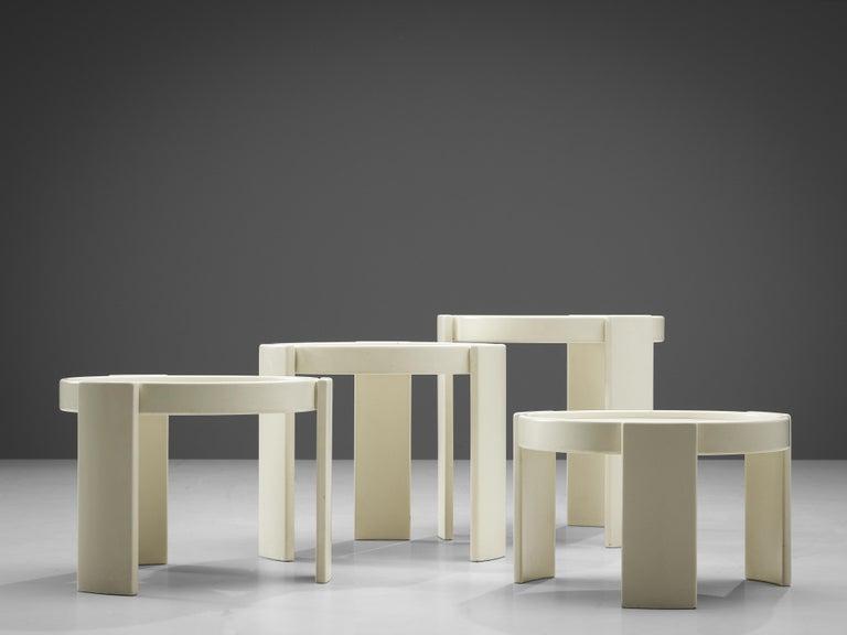 Mid-Century Modern Gianfranco Frattini Set of White '780' Nesting Tables For Sale