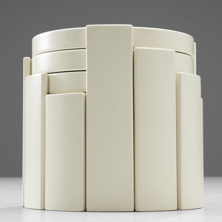 Lacquered Gianfranco Frattini Set of White '780' Nesting Tables For Sale