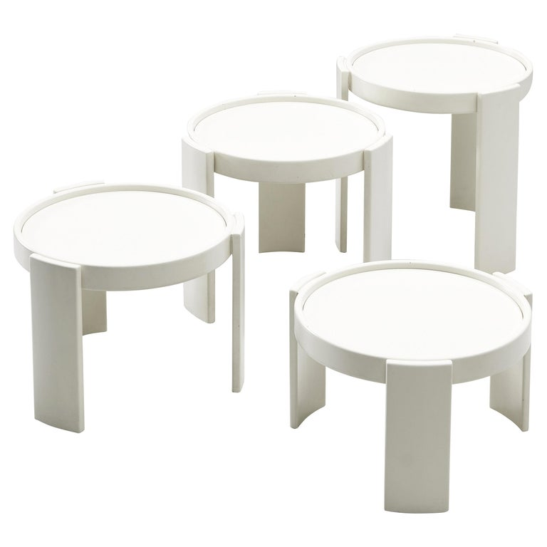 Gianfranco Frattini Set of White '780' Nesting Tables For Sale