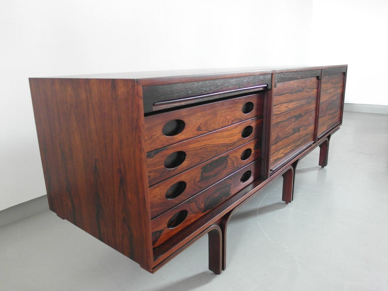 Gianfranco Frattini Sideboard in Rosewood for Bernini, Italy, 1957 In Excellent Condition For Sale In Woudrichem, NL
