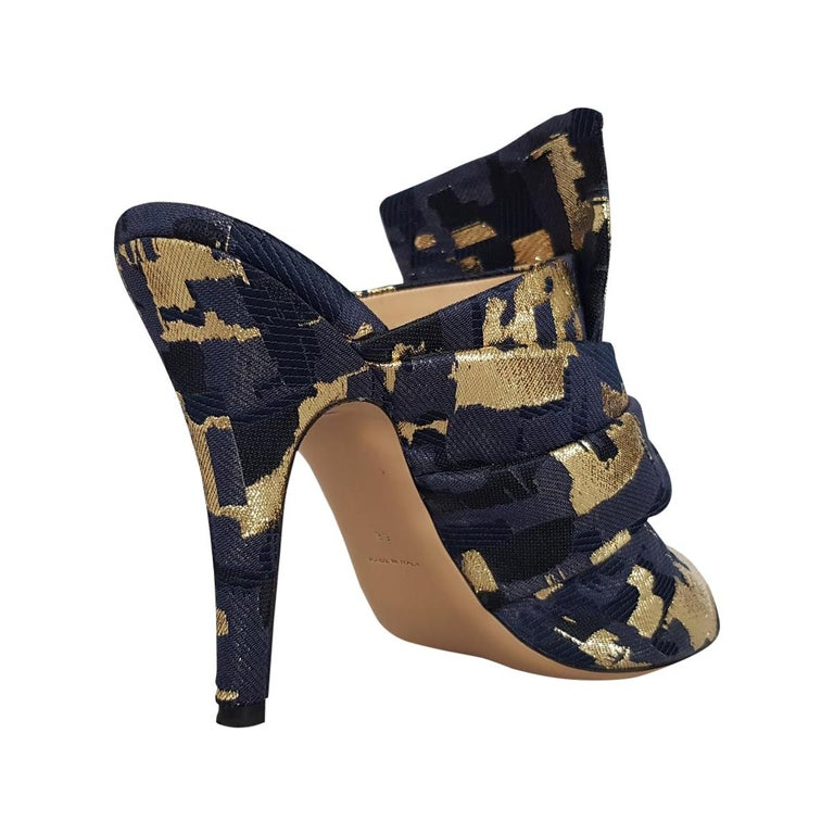 Super chic Gianluca Capannolo sabot shoes Leather and textile Gold / blue color Lamé Open toe Heel cm 10 (3.9 inches) Worldwide express shipping included in the price !