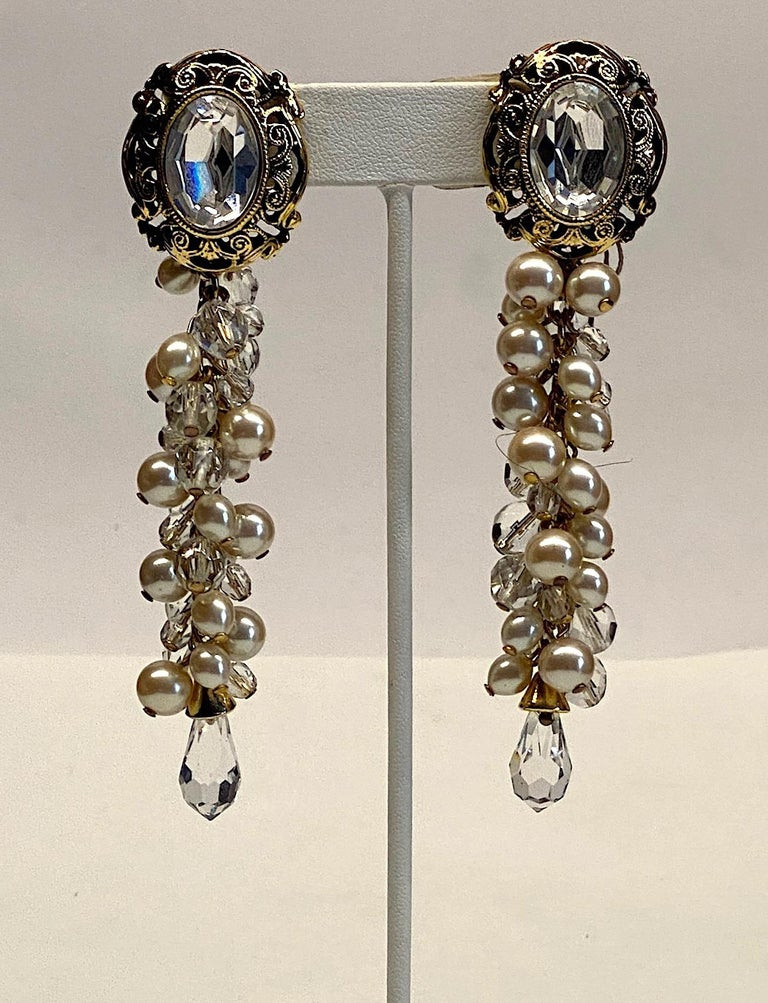 Gianni De Liguoro Crystal & Pearl bead and Rhinestone 1980s Dangle Earrings In Good Condition For Sale In New York, NY
