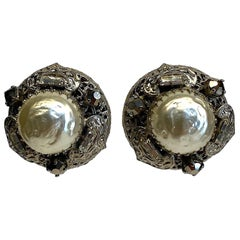 Gianni De Liguoro Siver Pearl Bottom Earrings