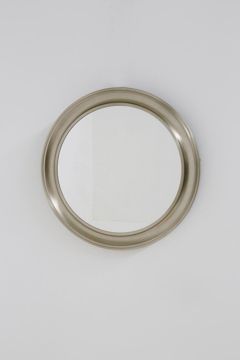 Gianni Moscatelli Round Nickel Wall Mirror Midcentury for Formanova, 1970s In Good Condition For Sale In Milano, IT