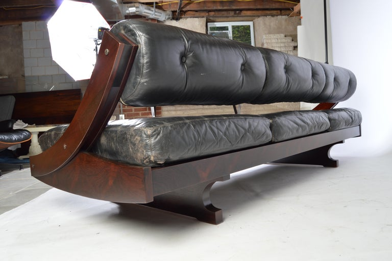 Mid-20th Century Gianni Songia for Sormani Rosewood and Leather Daybed Sofa, Italy, circa 1960 For Sale