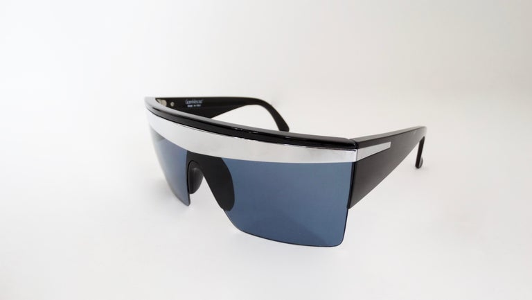 Gianni Versace 1980s Silver Update Sunglasses In Good Condition For Sale In Scottsdale, AZ