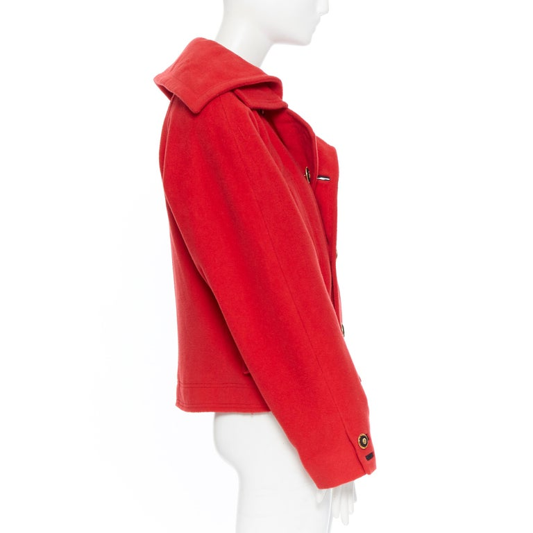 GIANNI VERSACE 1993 Vintage red wool Medusa button double breasted coat M In Excellent Condition For Sale In Hong Kong, NT