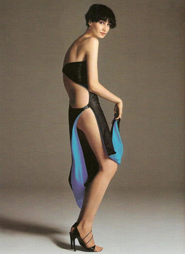 Gianni Versace black and electric blue strapless maxi dress, ss 1998 For Sale 4