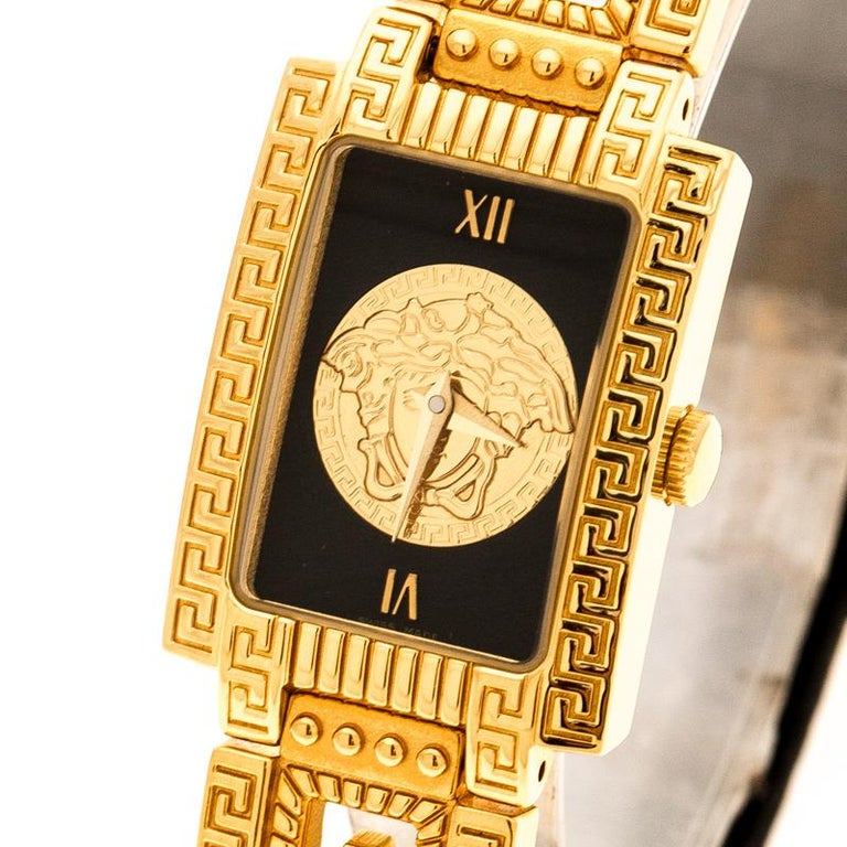 This lovely timepiece from Gianni Versace is curated keeping in mind the grand history and heritage of the brand. Crafted from gold-plated metal, this charmer has a case diameter of 20 mm and the signature Medusa motif on the dial which is known to