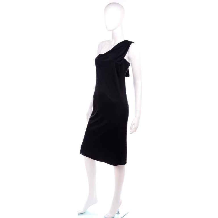 Gianni Versace Couture 1998 Vintage Black One Shoulder Dress Medusa Buckle In Good Condition For Sale In Portland, OR