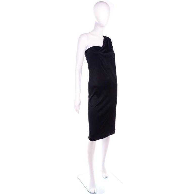 Gianni Versace Couture 1998 Vintage Black One Shoulder Dress Medusa Buckle For Sale 2
