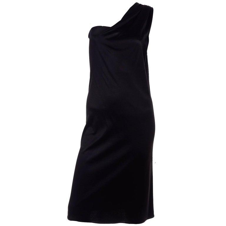Gianni Versace Couture 1998 Vintage Black One Shoulder Dress Medusa Buckle For Sale