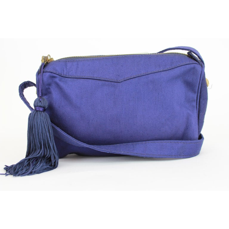 c59814d29e Gianni Versace Couture Purple Silk Shoulder Evening Bag 1980s In Good  Condition For Sale In Brindisi