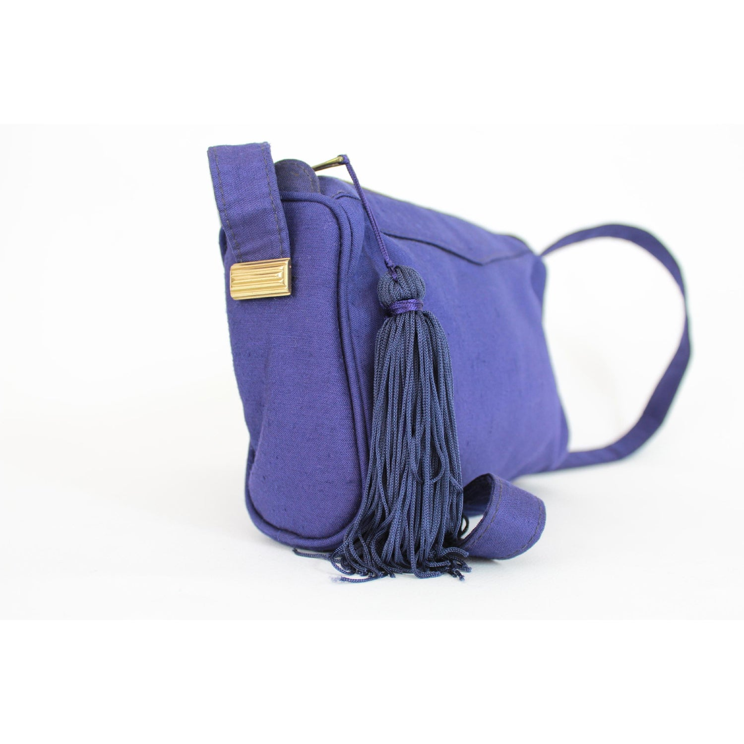 05df4f0e53 Gianni Versace Couture Purple Silk Shoulder Evening Bag 1980s For Sale at  1stdibs