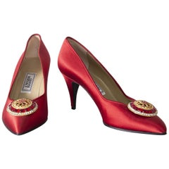 Gianni Versace couture Vintage red shoes with tiara, 1990s.