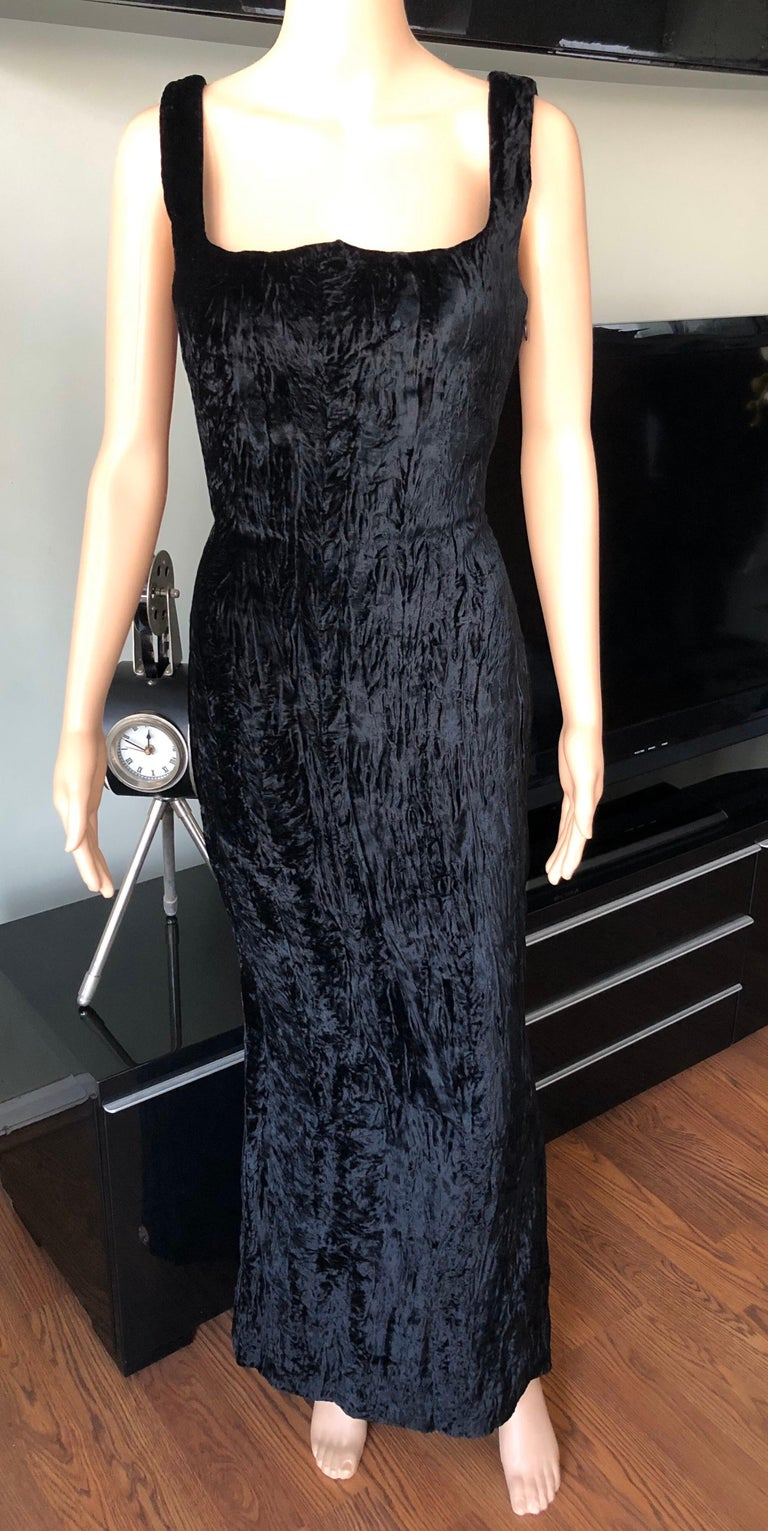 Gianni Versace F/W 1995 Runway Vintage Velvet Black Maxi Dress Gown IT 40  Look 59 from the Fall 1995 Collection.