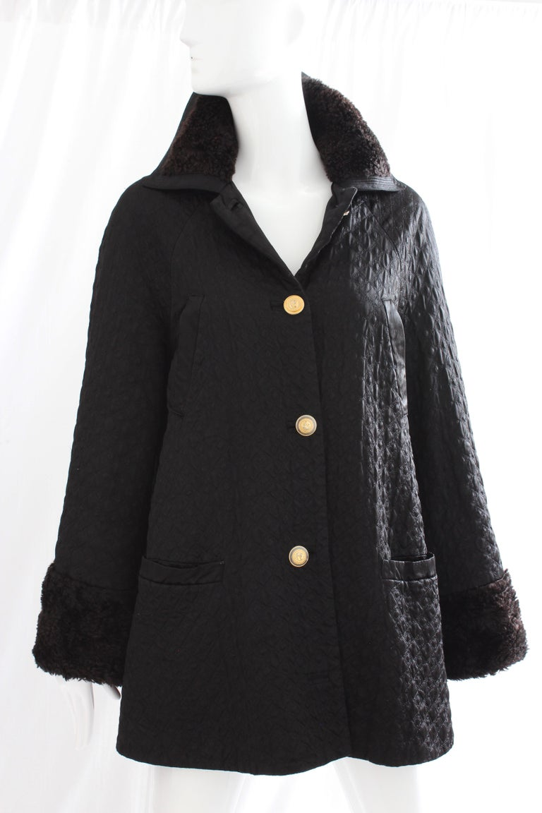 Women's Gianni Versace Jacket or Swing Coat Diamond Quilted Black Satin with Fur Trim 38 For Sale