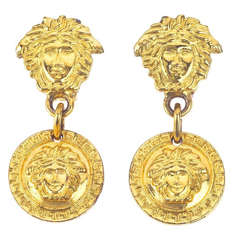 Gianni Versace Medusa Earrings Gold In Excellent Condition For Sale In Chicago, IL
