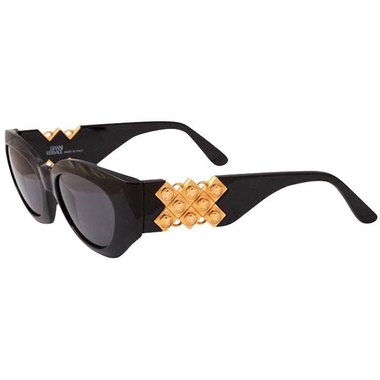 Gianni Versace Mod 420/D Sunglasses  For Sale