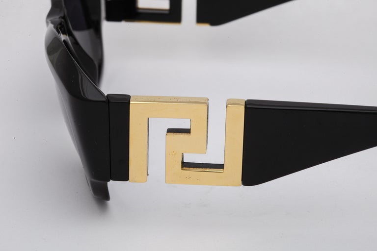 Men's Gianni Versace Mod T75 COL 852 Sunglasses  For Sale