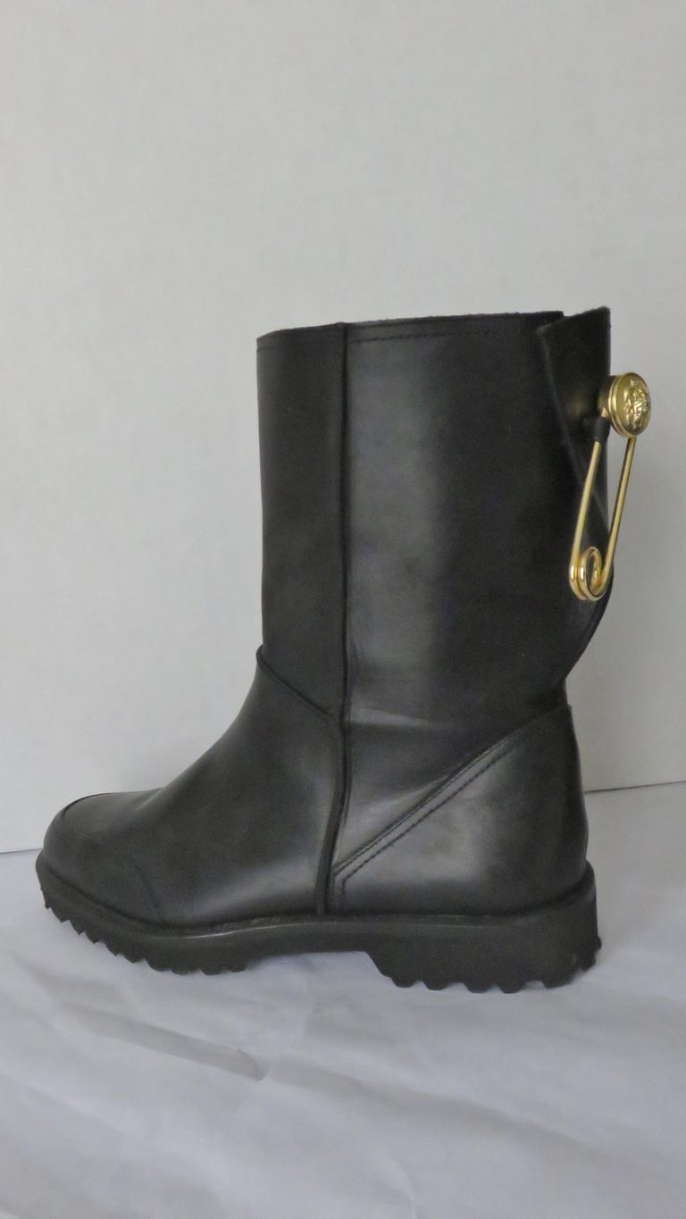 Gianni Versace New Size 37.5 Safety Pin Boots 1990s For Sale 10
