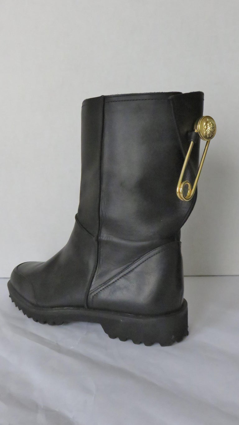 Gianni Versace New Size 37.5 Safety Pin Boots 1990s For Sale 5