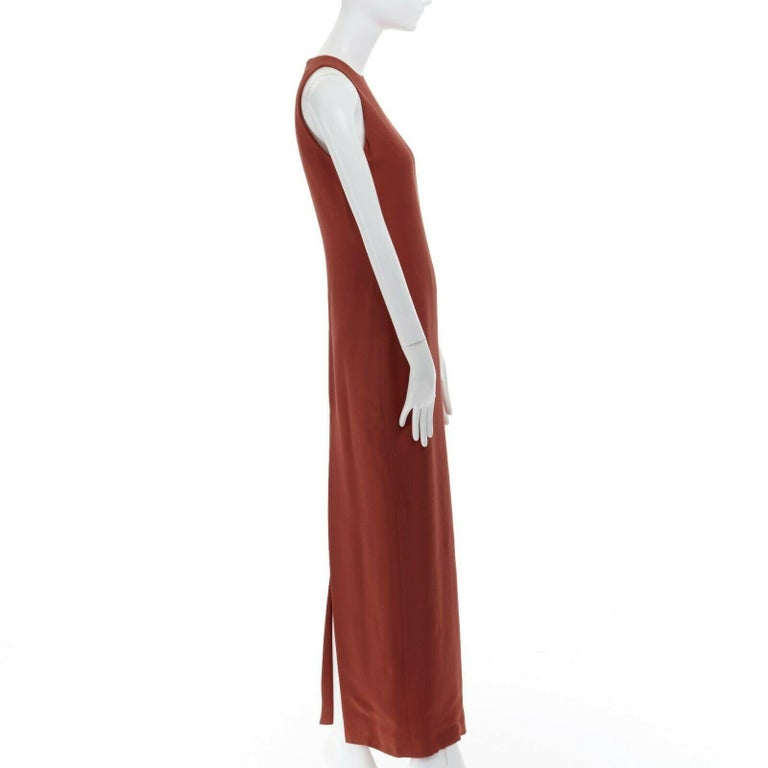 GIANNI VERSACE red round neck sleevelses minimal back vent maxi gown dress IT40 For Sale 2
