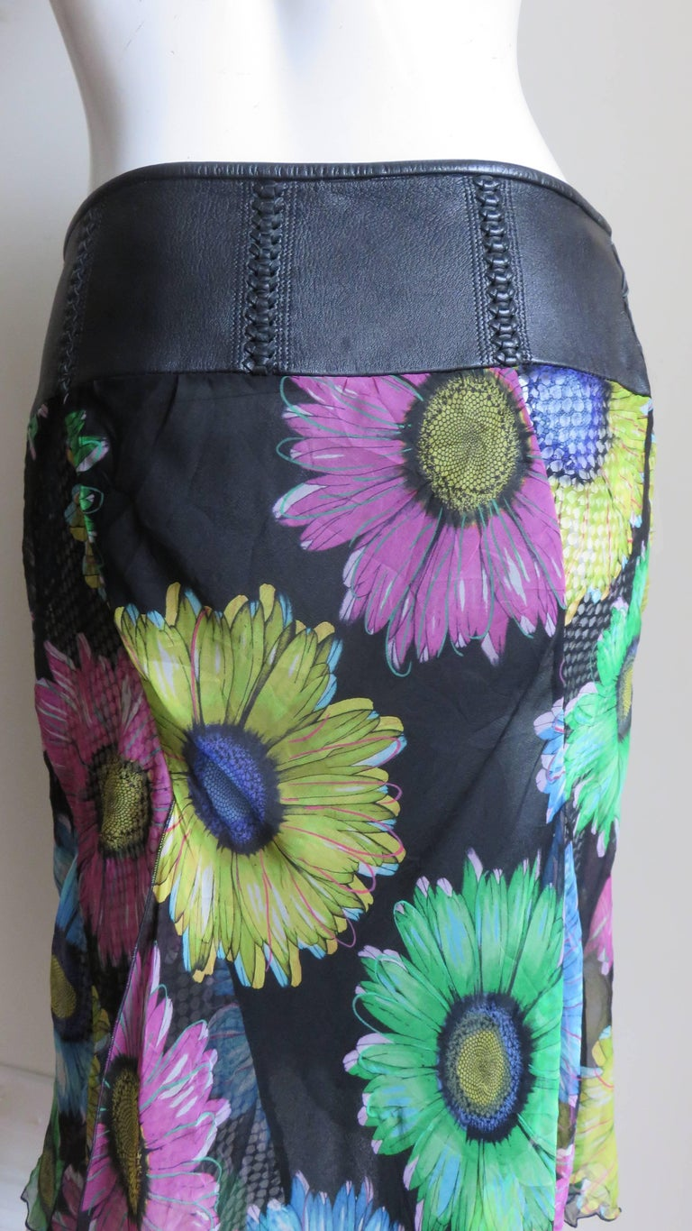Gianni Versace Silk and Leather Skirt 1990s For Sale 7